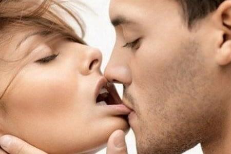 Как максимально быстро возбудить любимую и как понять, что девушка возбуждена